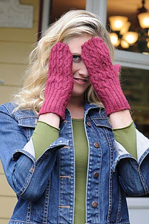 Offset-cable-mittens3_small2