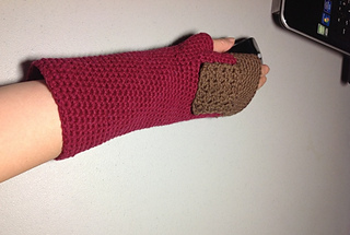 02052013_the_hobbit_fingerless_glove__1__small2
