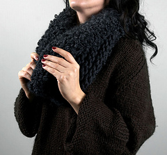 Scarves_blackswiftcowl2_small