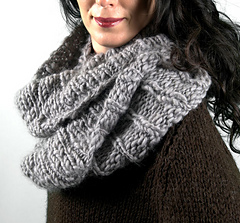 Scarves_mourningdovecowl1_small