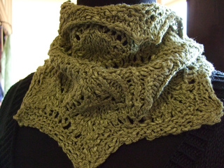 Combs_lace_cowl_small2