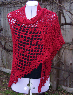 Hollyberry_shawl_009_cropped_flckr_1-3_small2
