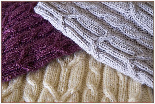 Как связать шарф-снуд спицами: три модели на любой вкус