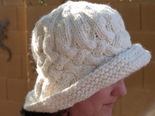 Rolled_brim_cable_crossed_5_small2