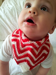 Crochet_chevron_bandana_bib__5__small2