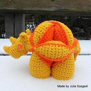 Rhinosaur_julia_szegedi__2__small2