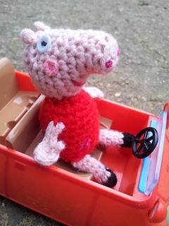 Crochet_peppa_pig__1__small2