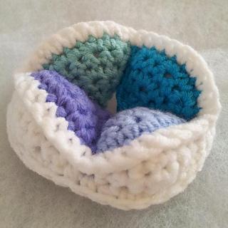 Mini_crochet_amish_puzzle_ball_segment_small2