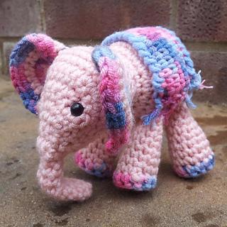 Meimei_crochet_baby_elephant__19__small2