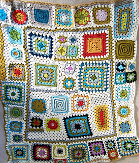 Grannysquareafghanfinished1_small2
