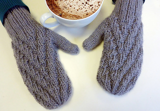 Zigzag_mittens_medium2_small2