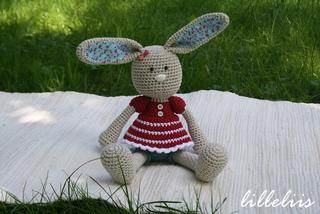Crochet_toy_pattern_bunny_small2