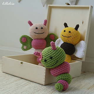 Amigurumi_rattle_bugs_small2