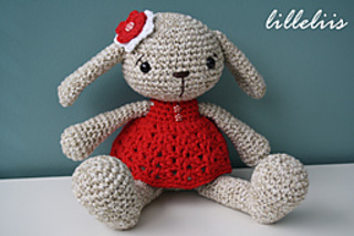 Amigurumi_bunny_pattern_lilleliis_small2