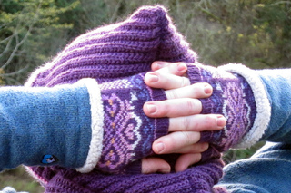 Lunaria_scarf_on_the_snoqualmie_028__2__small2