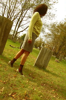 Walking_fg_yellow_small2