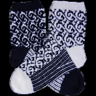 Senta_mirrored_socks_small2