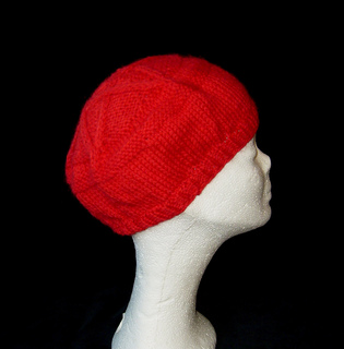 Pentagram_tam_ribbed_red_small_side_small2
