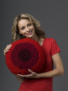 8-01c_dahlia_pillow_005_small2