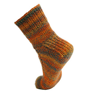 Simple_socks_with_a_slant_back_small2