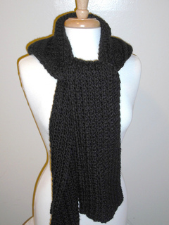 Character_crochet_hooded_scarf_668_small2