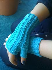 Alanna Nelson knit handwarmer Eric Glovelet