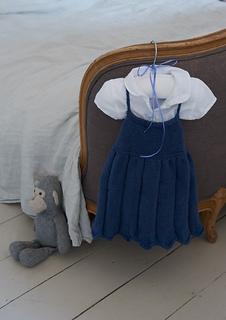 Emily_dress_02_small2