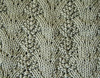 Fir_cone_lace2_rowan_handknit_cotton_330_small2