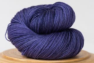 Messa-di-voce-hand-dyed-yarn-deep-purple_small2