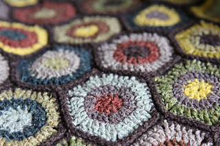Edit_childs_20130429_hexagon-blanket_0055_small2