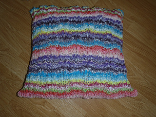 Diamond_wave_pillow__1__small2