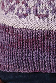 Cowl_with_loops_close_up_small2