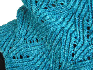 Twisted_cowl_1_2011-06-23e-blank_small2