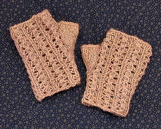 Lacywristwarmer-tweaked-for-etsy_small2
