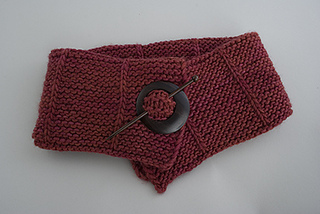 Pin-me-up-scarf-red-for-etsy_small2