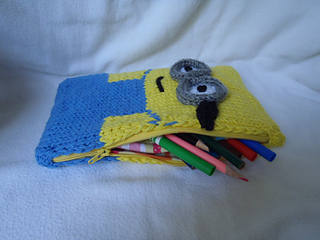 Stanascrittersetc_minion_pencil_box_small2