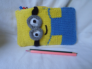 Stanascrittersetc_minion_pencil_box_5_small2