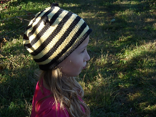 Stanascrittersetc_bumble_bee_hat_small2