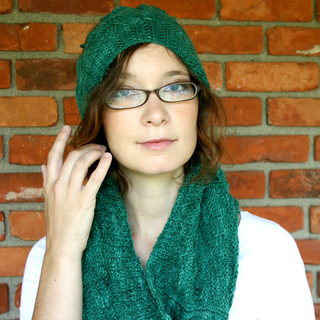 Lansing_hat_2bcowl_small2
