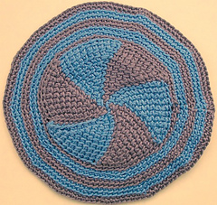 Pinwheel_yarmulke_small