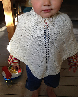 Phillis_med_poncho_small2