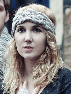 Alpaca_knitted_cable_headband_small2