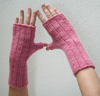 Pinstripe_gloves_3_small2