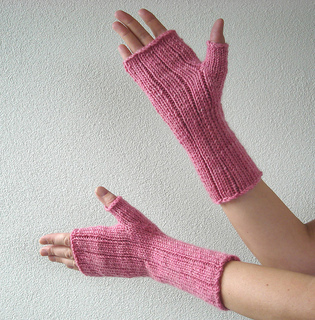 Pinstripe_gloves_5_small2
