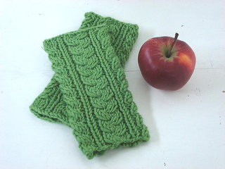 Green_wrist_warmers_1_small2