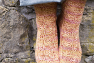 Little_braided_cable_socks_by_candcae_eisner_strick_small2