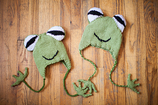 Hyla_frog_hats_-_wood_small2