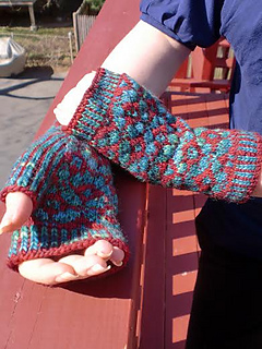 Damask_mitts_rastita2_small2