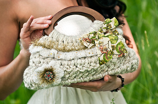 Ruffle_purse_small2