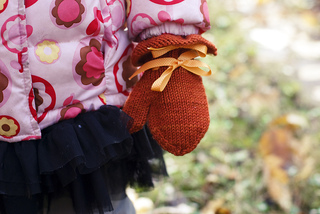 Sophies_mittens_closer_small2